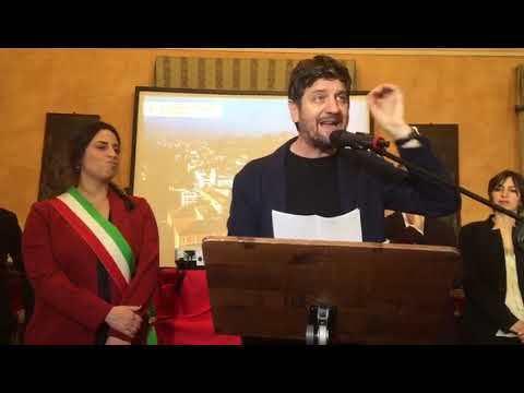 Arcangelo d'oro a Fabio De Luigi, show dell'attore nella sua Santarcangelo