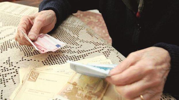 Finte dipendenti comunali tentano truffa ad anziana a Ravenna, arrestate