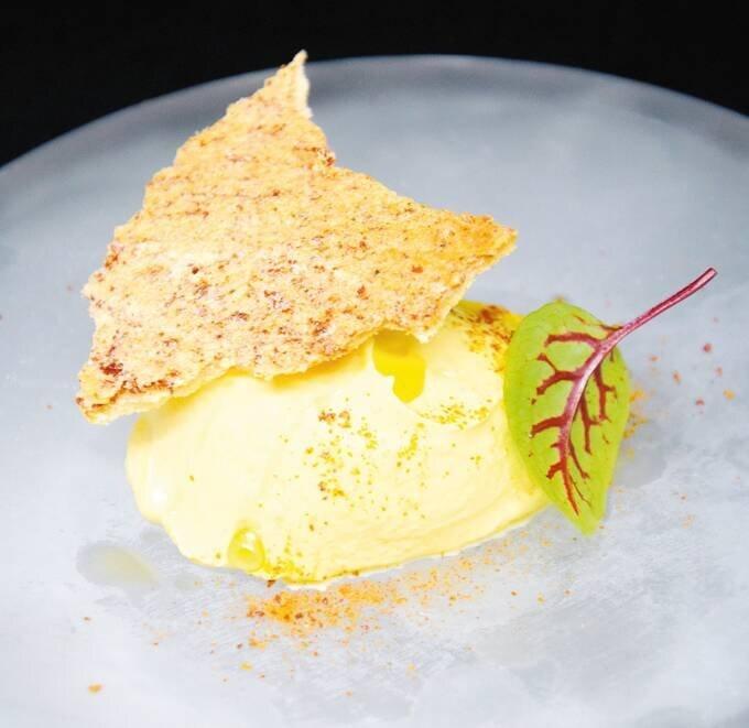 La ricetta di Valerio Braschi: caprese alla scamorza in versione dessert