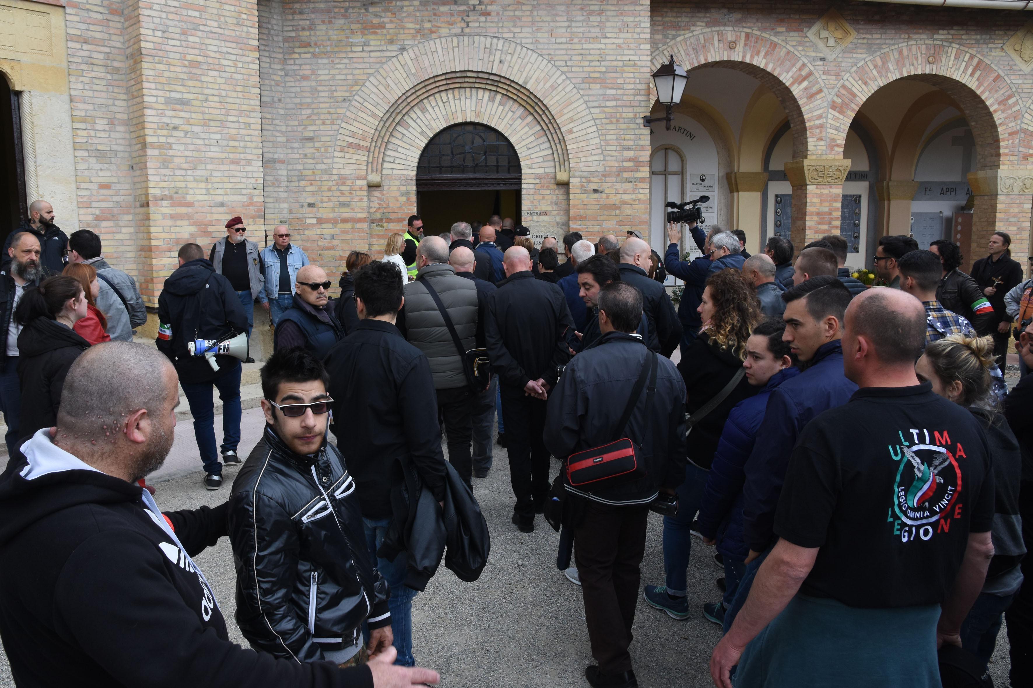 Predappio, la Cgil contro l'apertura della cripta di Mussolini