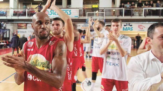 Basket, al via prevendita biglietti per Naturelle Imola-Unieuro Forlì