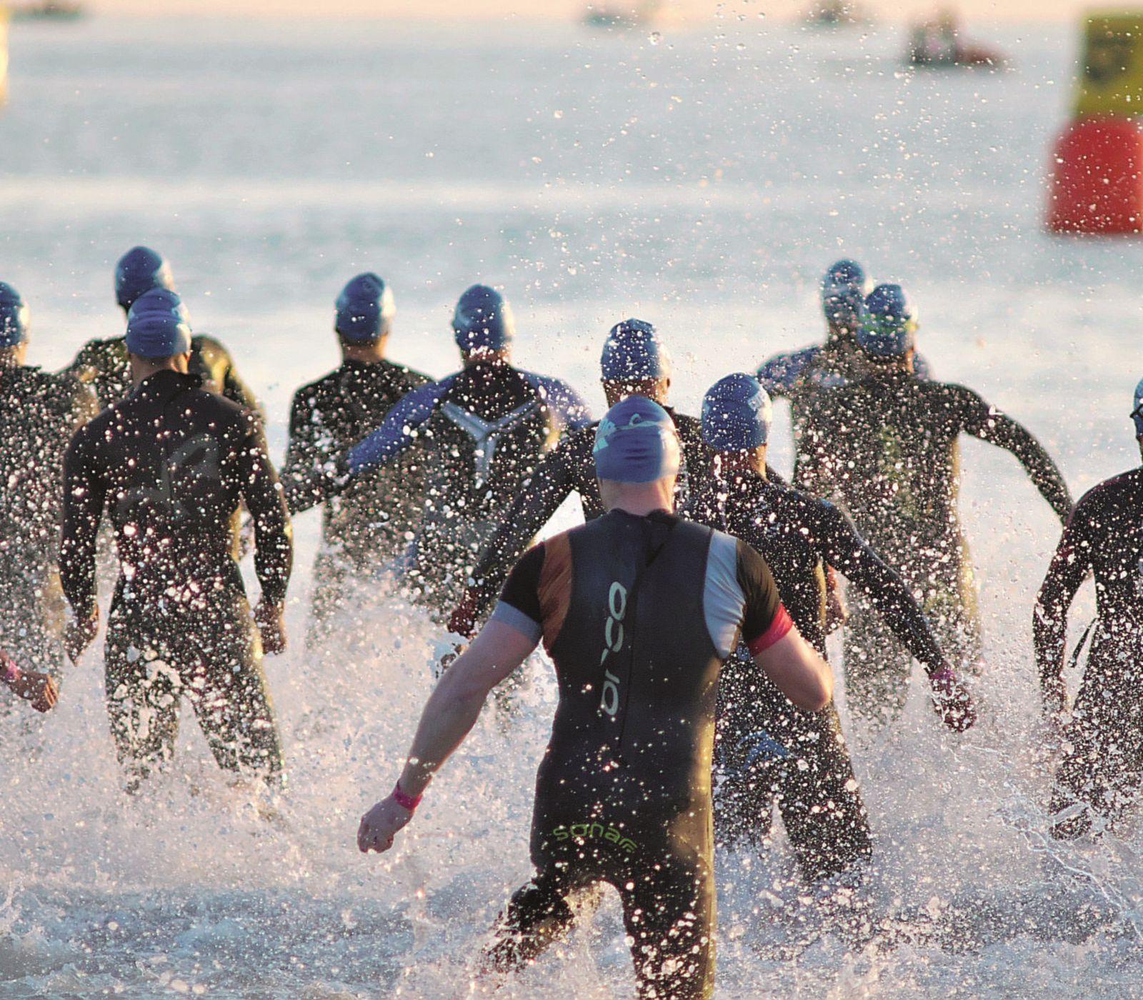 """Ironman Cervia, Lukasz Wojt chiude la gara di nuoto in 44'30"""""""