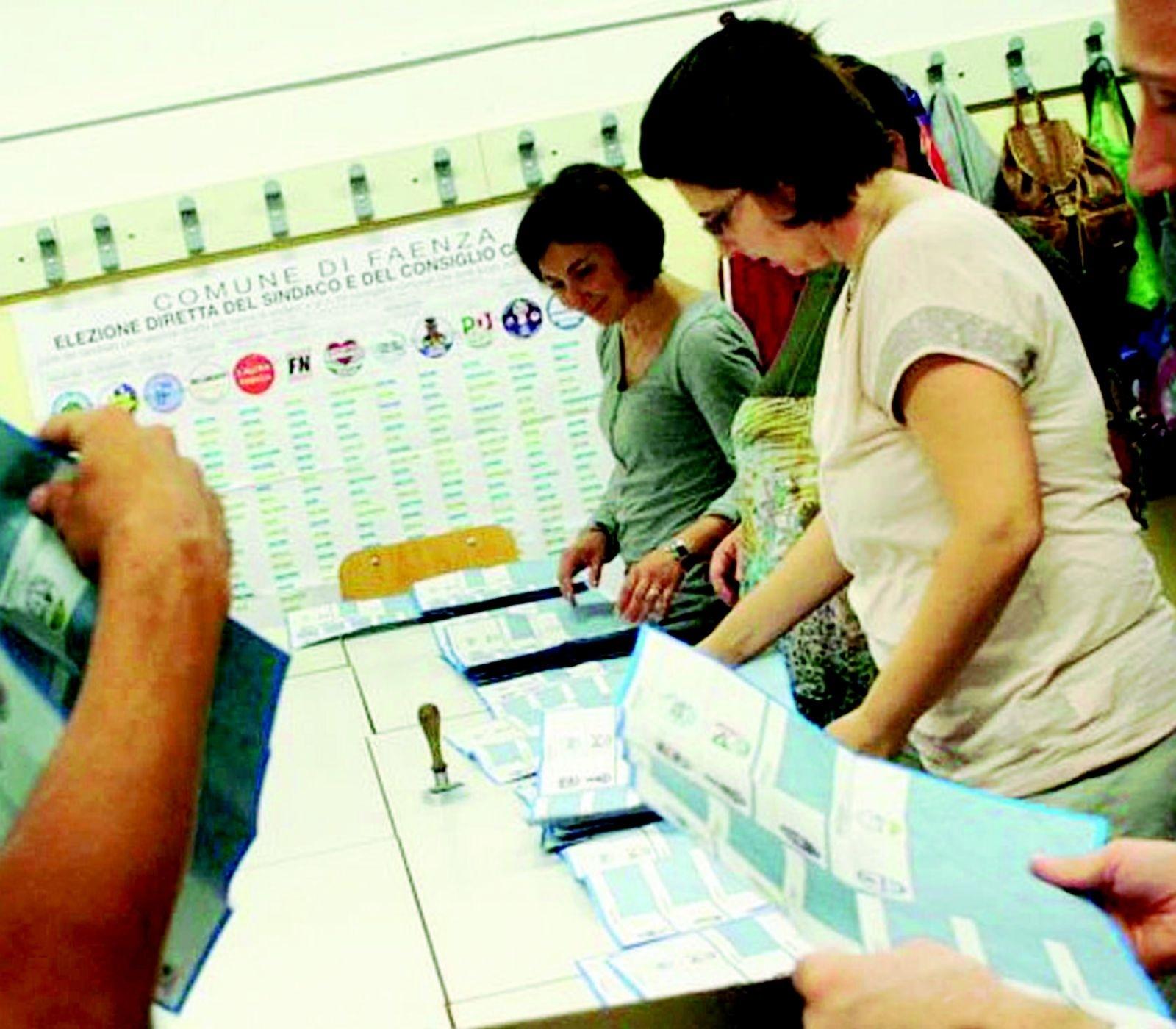 Piazza Della Misura Forli.A Forli Sfida A 5 Per Diventare Sindaco Al Voto Anche In 10 Paesi