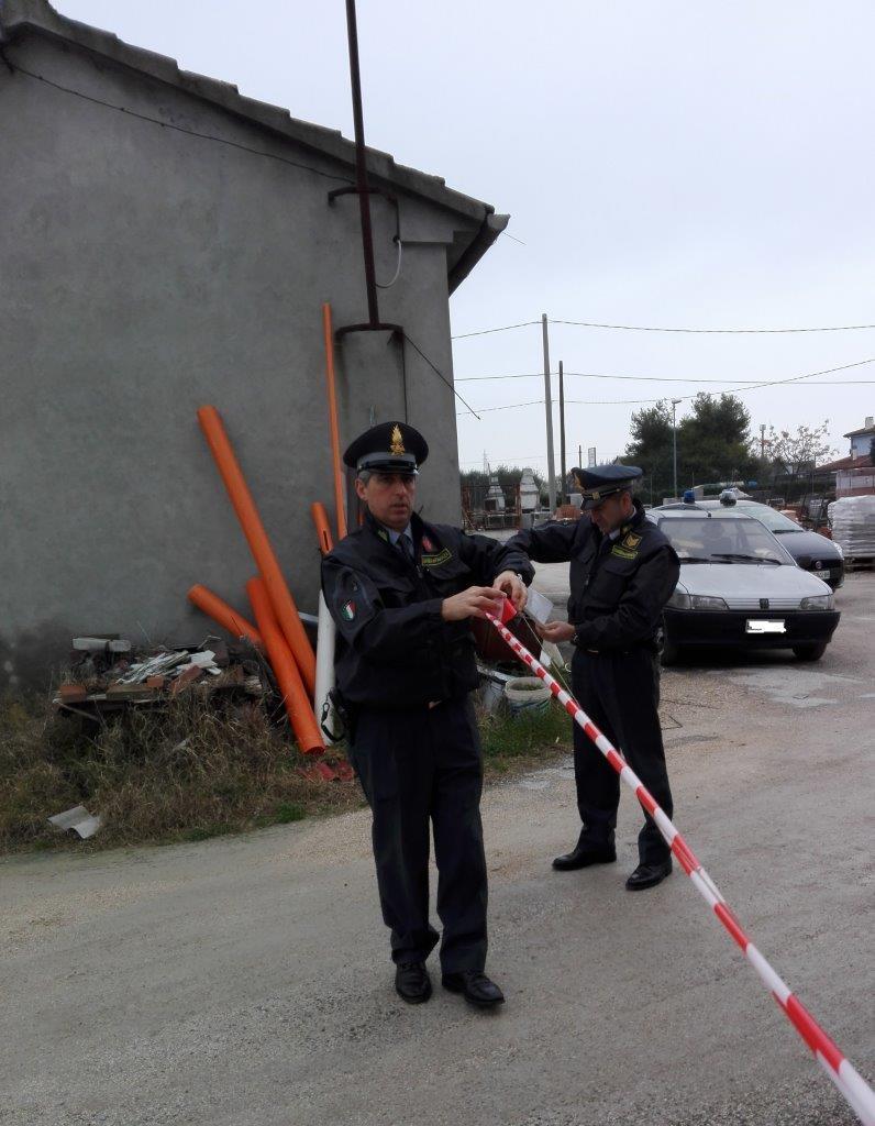 Violazione norme ambientali ed edili, sequestrata area a Savignano
