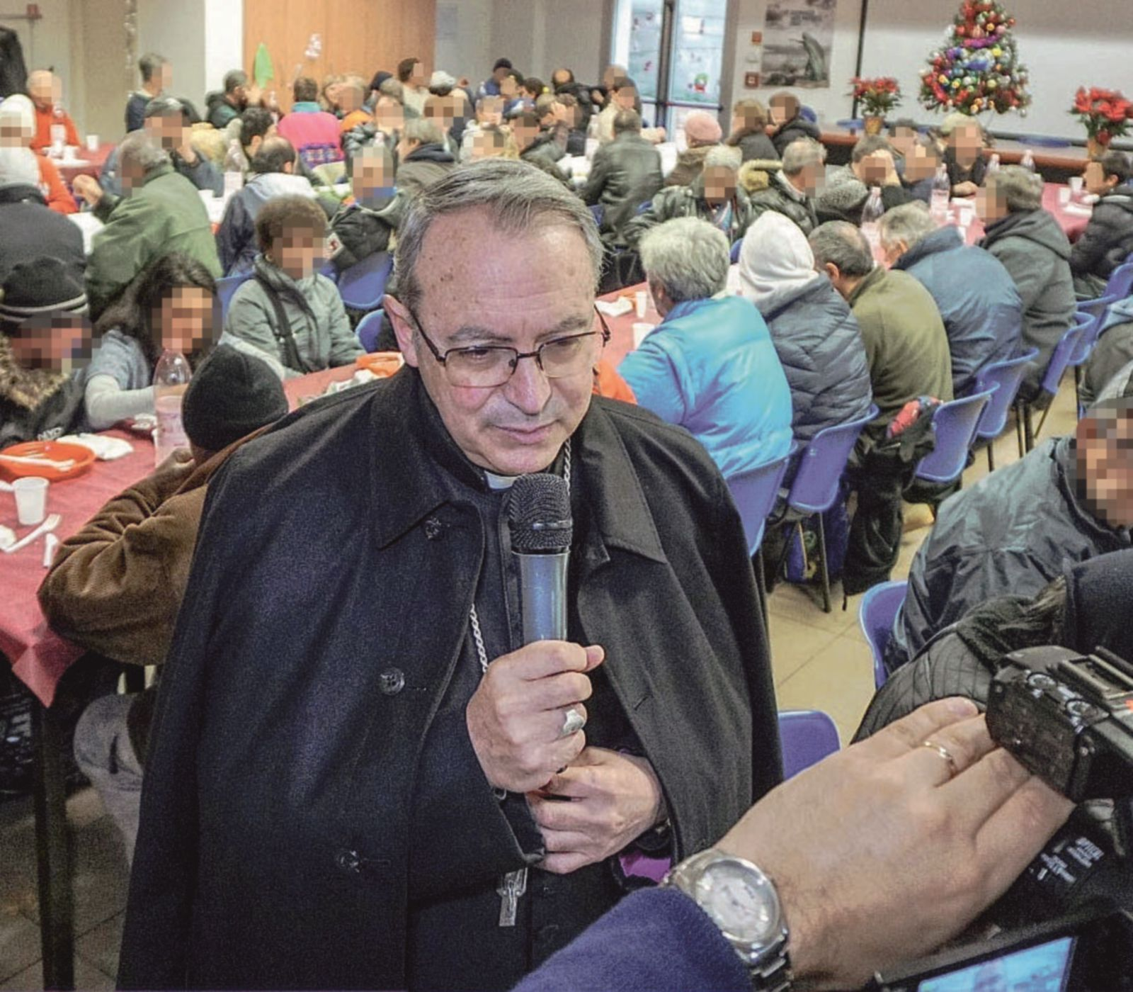 Il vescovo: «Fermiamo la xenofobia presente anche tra i cattolici»