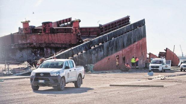 Terremoto Autorità portuale a Ravenna, un ex cuoco a demolire la nave