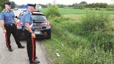 """Morto di stenti o per asfissia a Rimini. La """"firma"""" degli scafisti sul cadavere"""