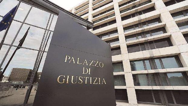 Rimini, sparì con i soldi dei clienti: promotore a processo