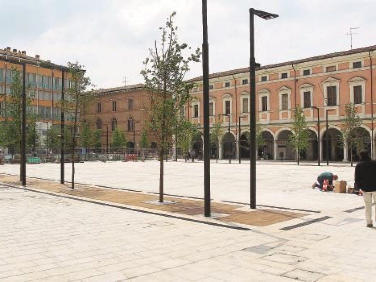 Piazza Della Misura Forli.Piazza Della Liberta Riapre Sottovoce Via Le Transenne Dopo 31