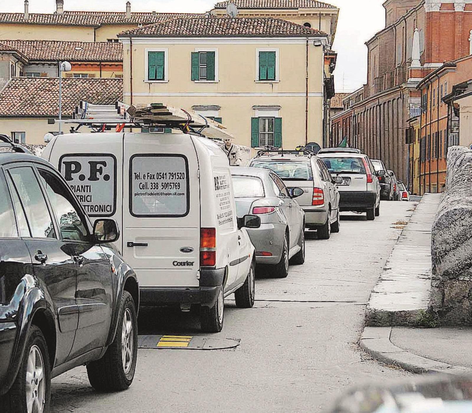 Il ponte di Tiberio di Rimini vietato alle auto per tutta l'estate