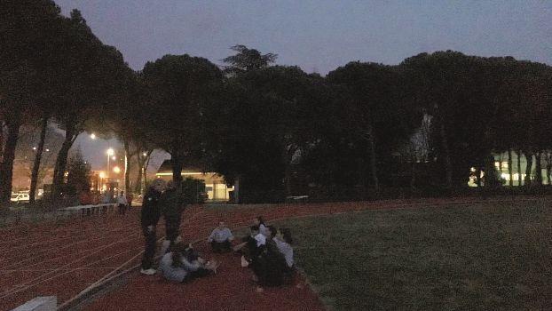 Ravenna, atleti al buio al campo scuola. Colpa di una bolletta non pagata