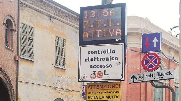 Ravenna, la ztl in via Ponte Marino diventa attiva 24 ore su 24