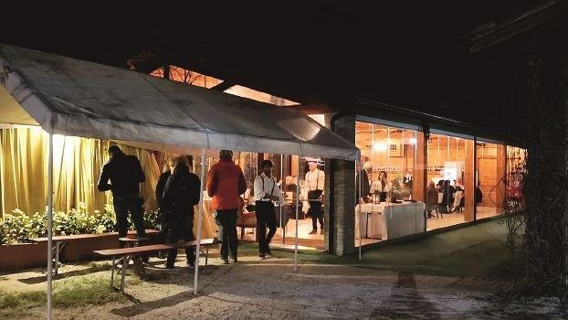 """Ravenna, scoperto ristorante """"nascosto"""" a Conventello nella sede di un'associazione"""