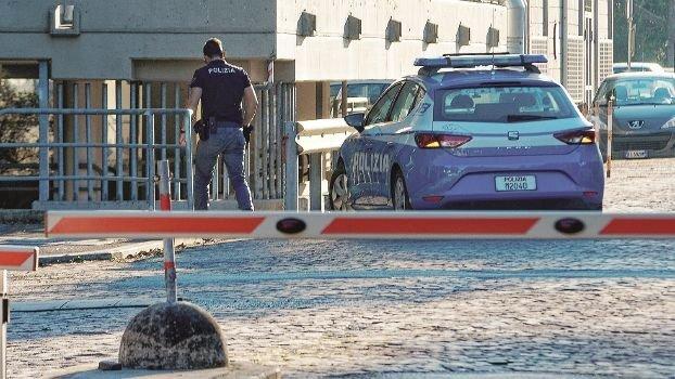 Ravenna, si getta dal secondo piano dell'ospedale, muore 50enne