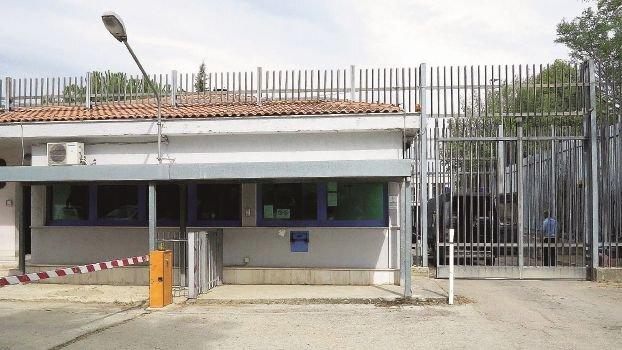 """Rimini, il rapinatore delle parafarmacie """"tradito"""" dall'influenza"""