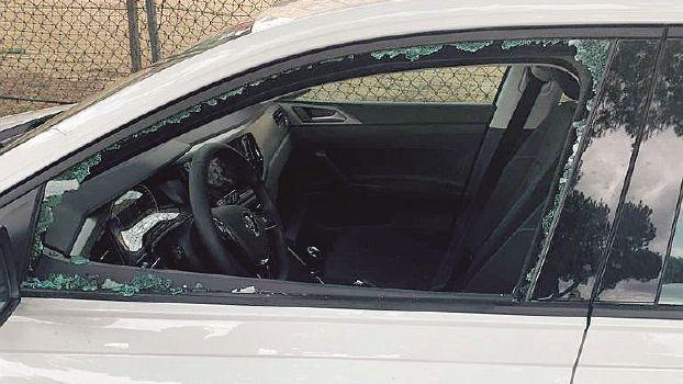 Studenti di Modena ubriachi danneggiano auto a Milano Marittima