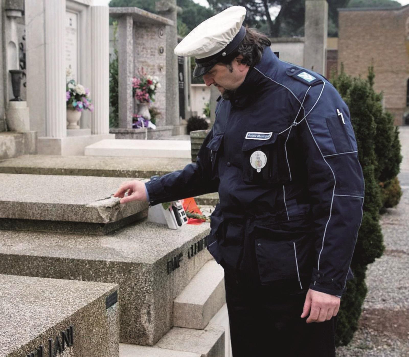 Telecamere contro i furti al cimitero di Sant'Andrea in Casale