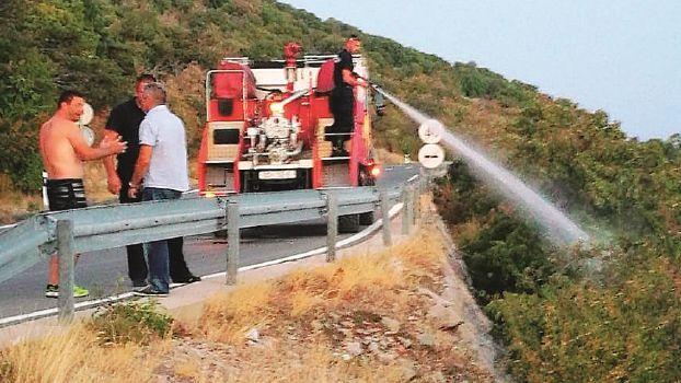 Volontari forlivesi della Protezione civile in vacanza domano rogo in Croazia