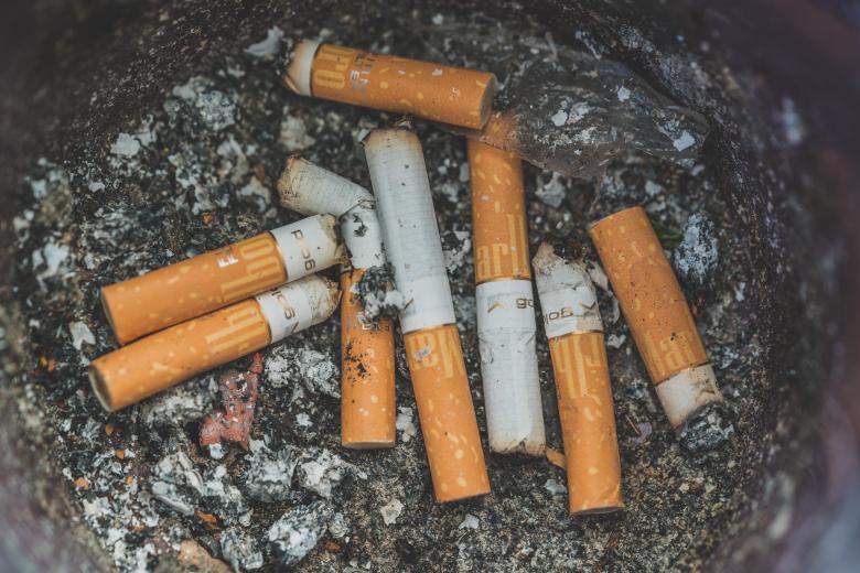 Oggi caccia ai mozziconi di sigarette