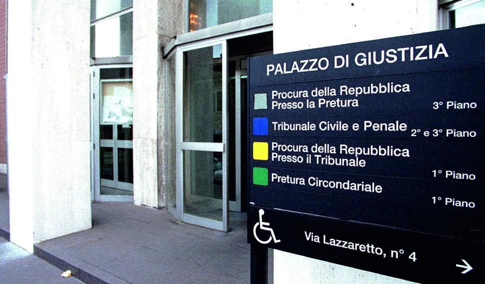 """Cesenatico, il processo su presunti abusi al """"Da Vinci"""" entra nel vivo"""