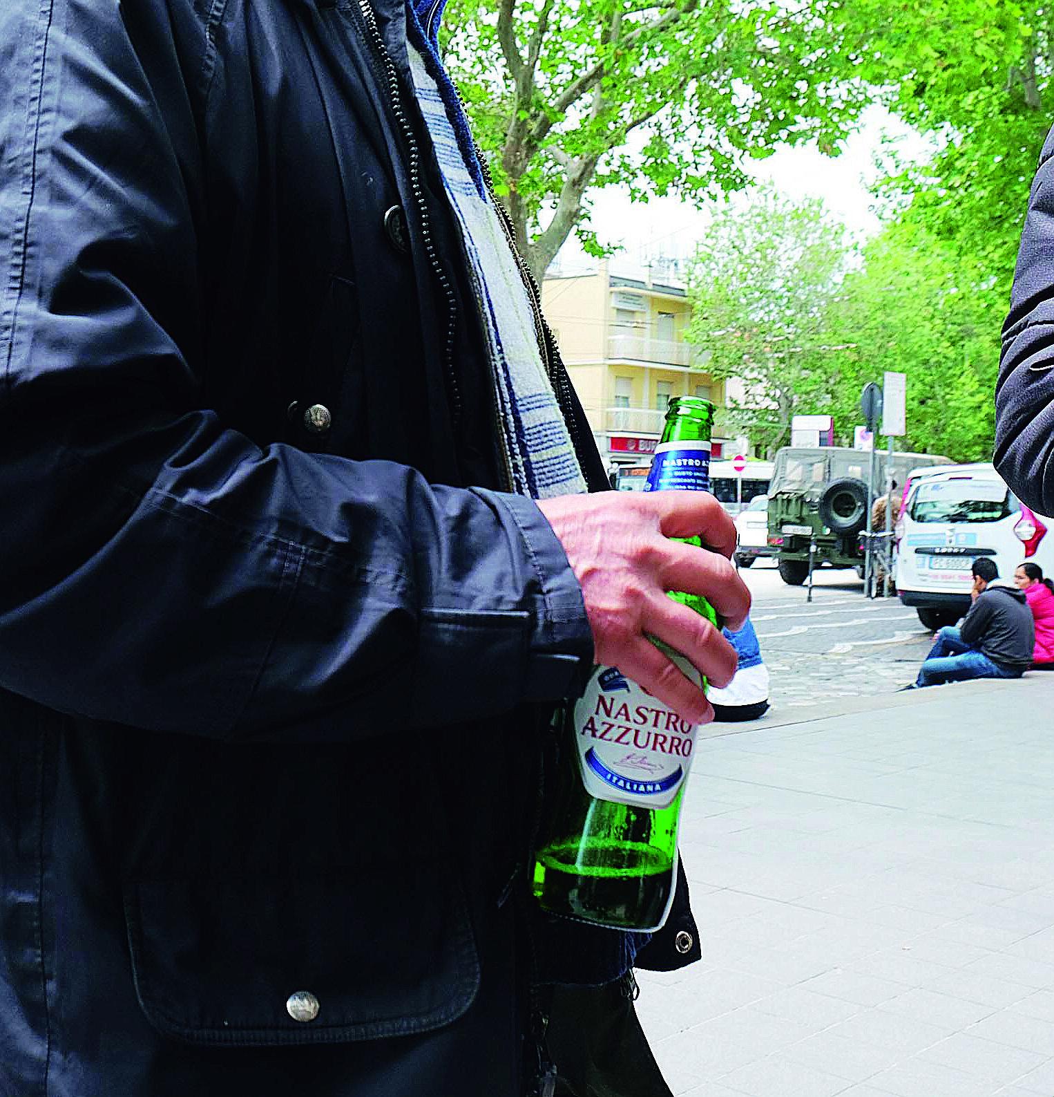Ubriaco palpeggia la barista in un locale di Mezzano, arrestato