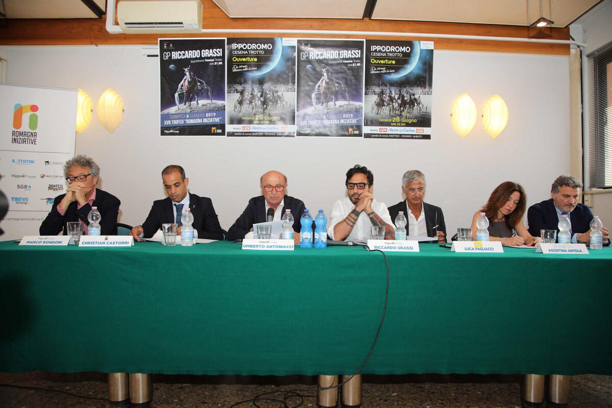 Ippica, presentata la nuova stagione dell'ippodromo di Cesena