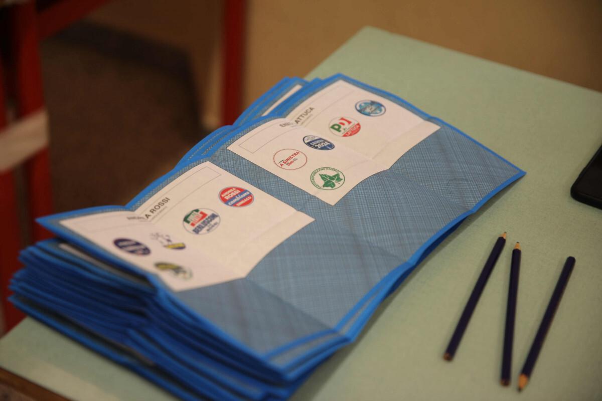 Elezioni, ai ballottaggi affluenza in calo a Forlì, Cesena e Savignano