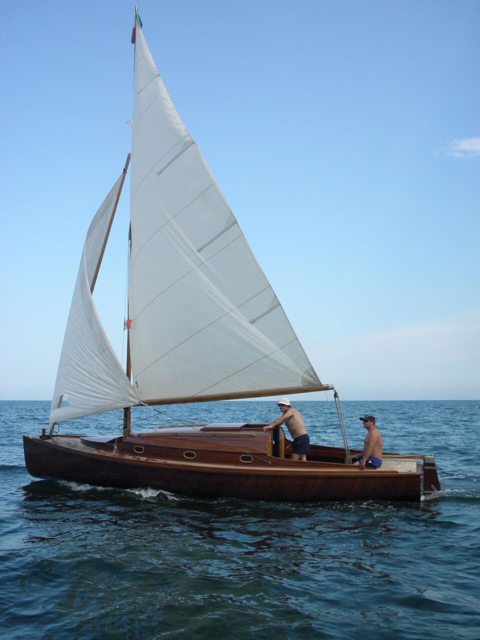 A Rimini una barca che ricorda quella di Albert Einstein