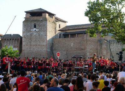 Spettacolare concerto di 300 giovani al Castelsismondo di Rimini