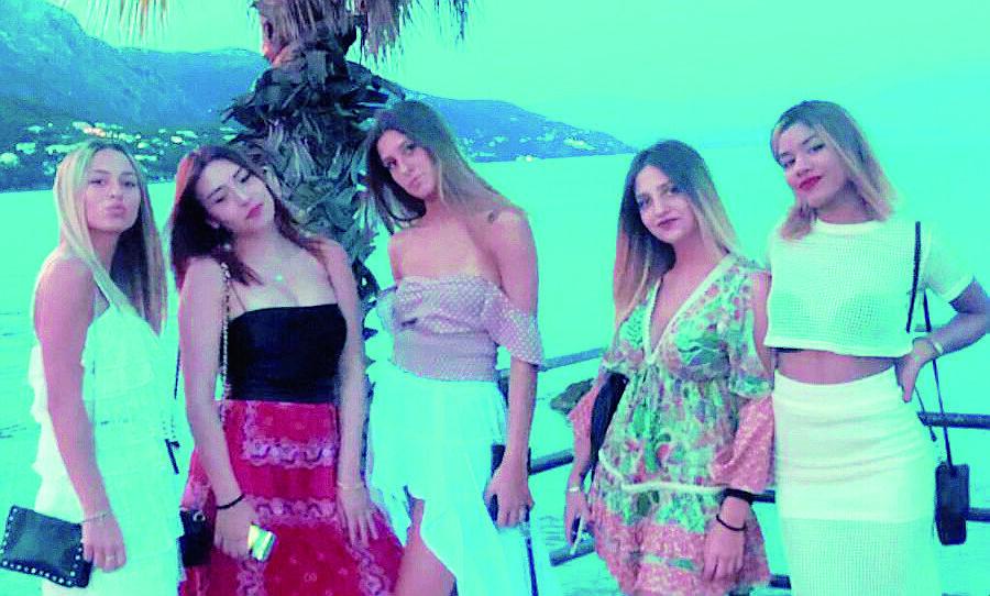 Crolla il soffitto, paura per 5 ragazze di Cesena a Corfù - IL VIDEO