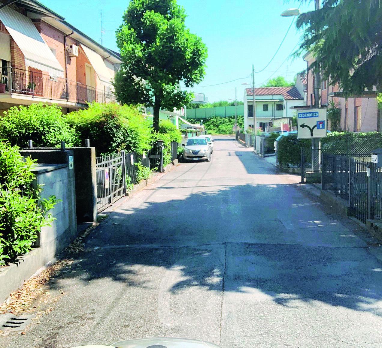 Cesena, lite per l'auto parcheggiata tra vicini finisce all'ospedale