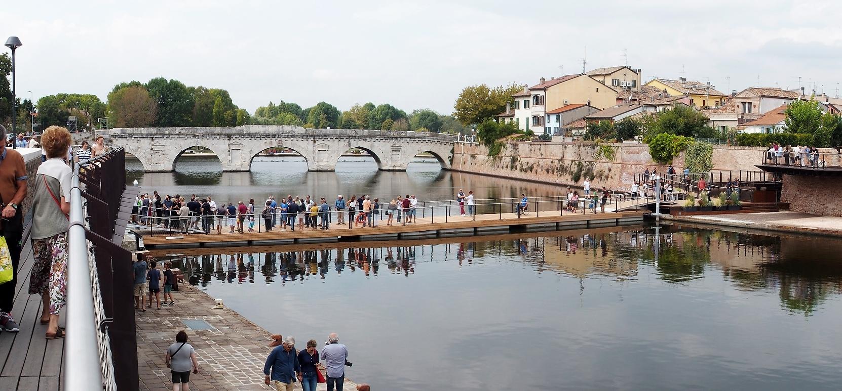 Rimini, l'apertura dopo il maltempo della passerella costa 2mila euro