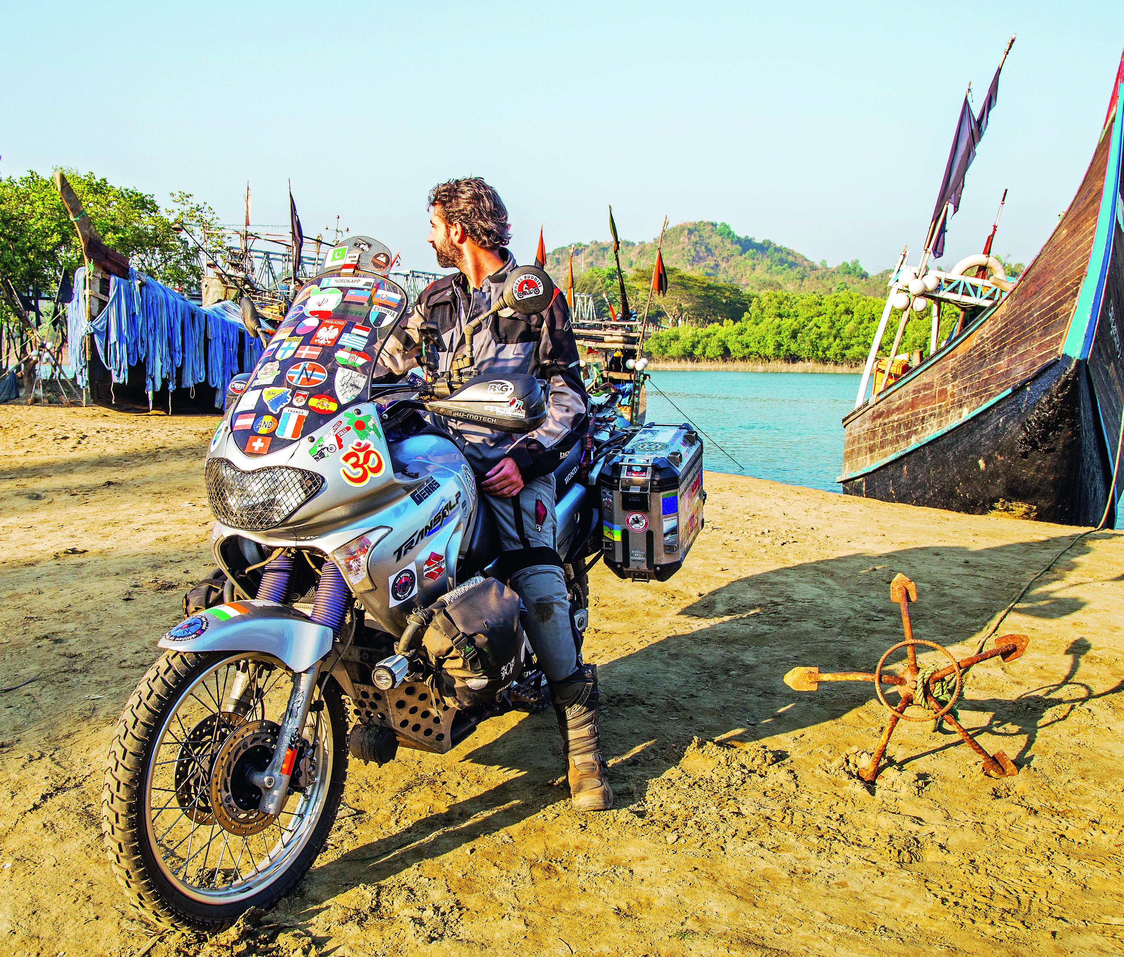 Da Rimini a Bali in moto, il viaggio in solitaria di Matteo Nanni