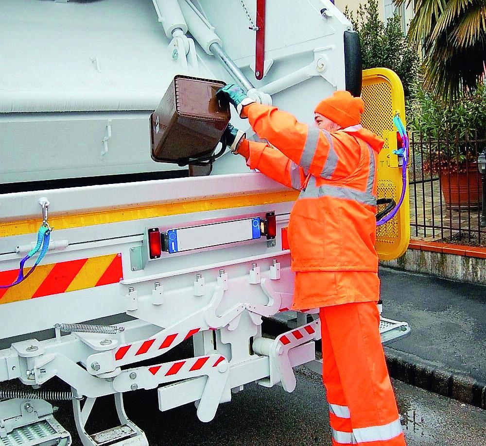 Da lunedì parte la raccolta porta a porta dei rifiuti in centro a Imola
