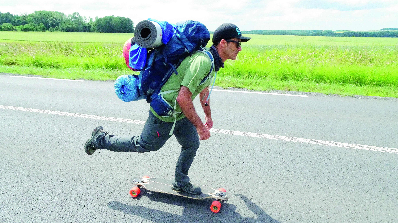 Riminese in skate da Parigi ad Amsterdam, oltre 630 km sulla tavola