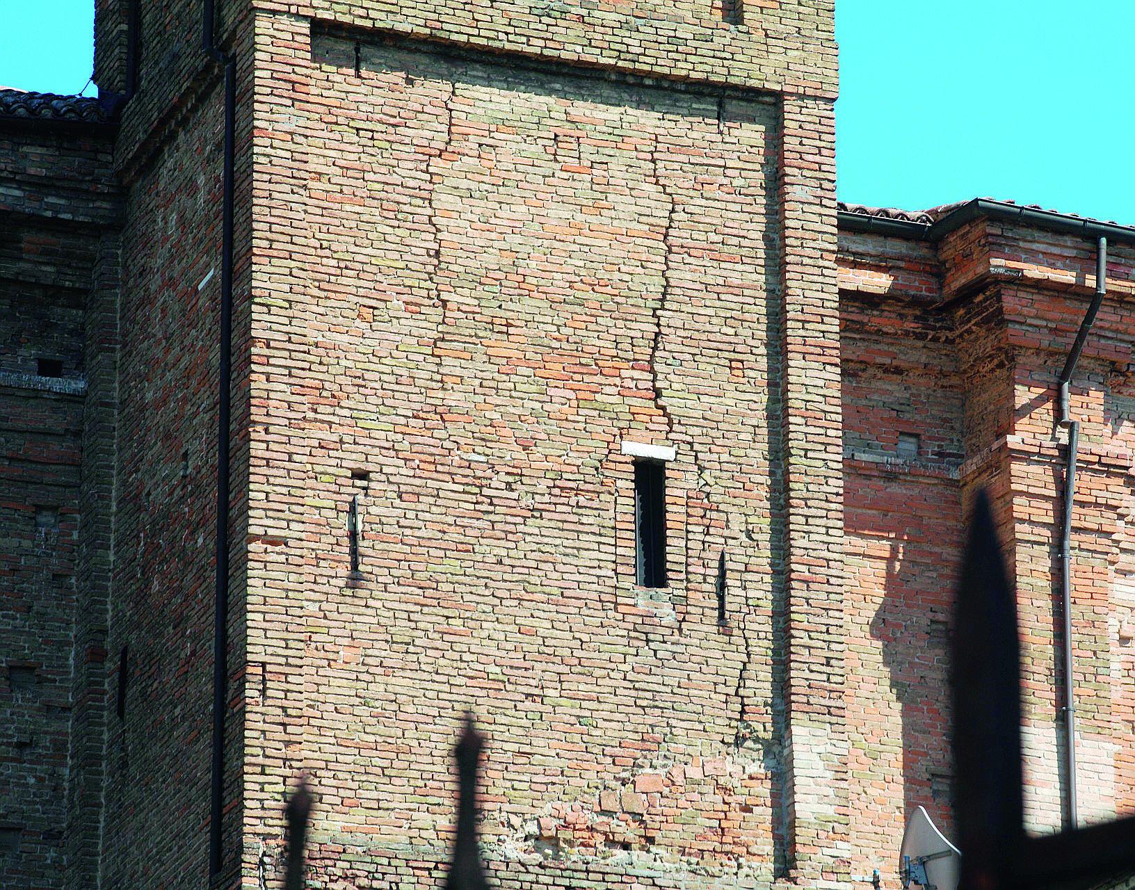 Lavori sul campanile di San Domenico a Cesena aspettando i fondi Cei