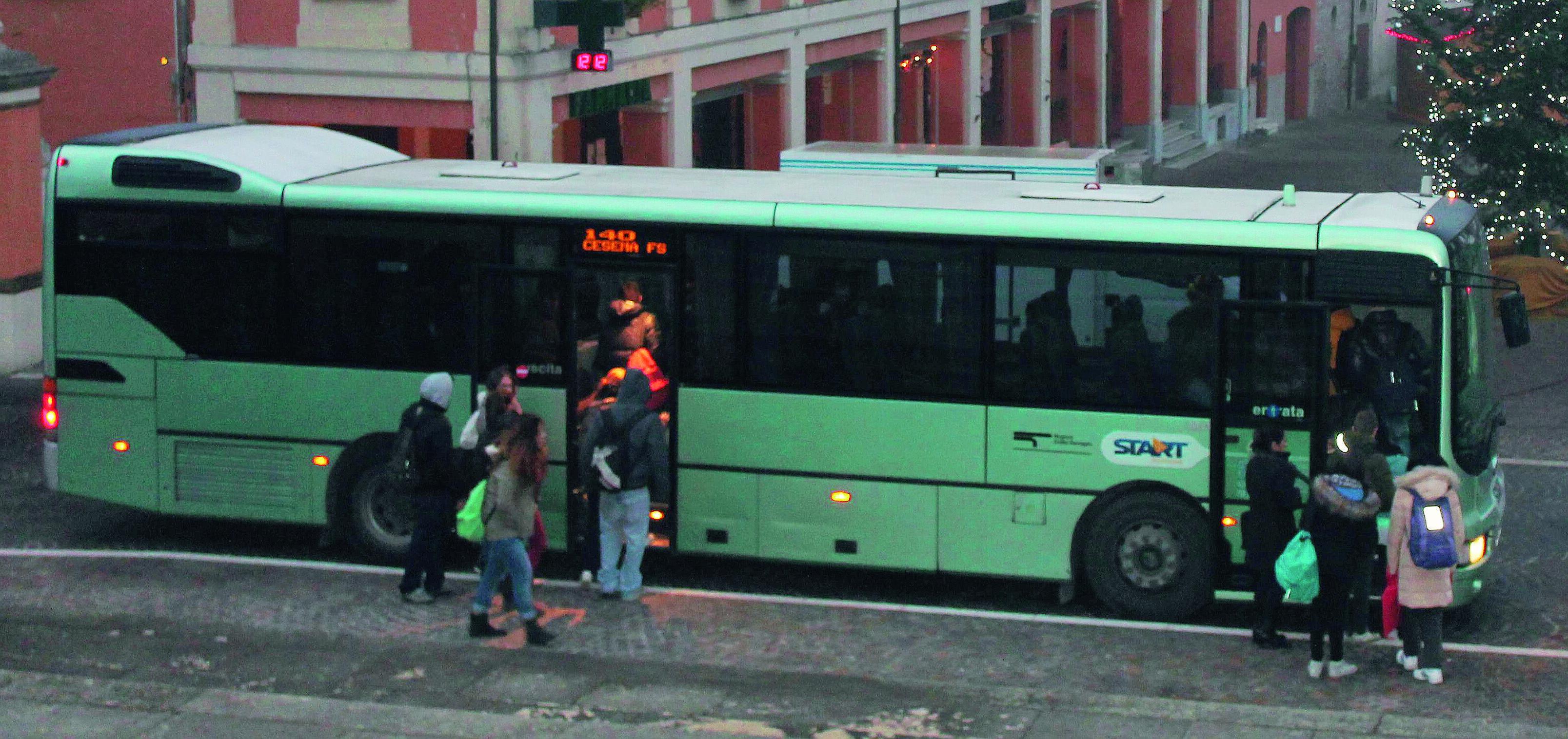 """La """"corriera"""" non arriva più a Portico, l'alta Val Montone protesta"""