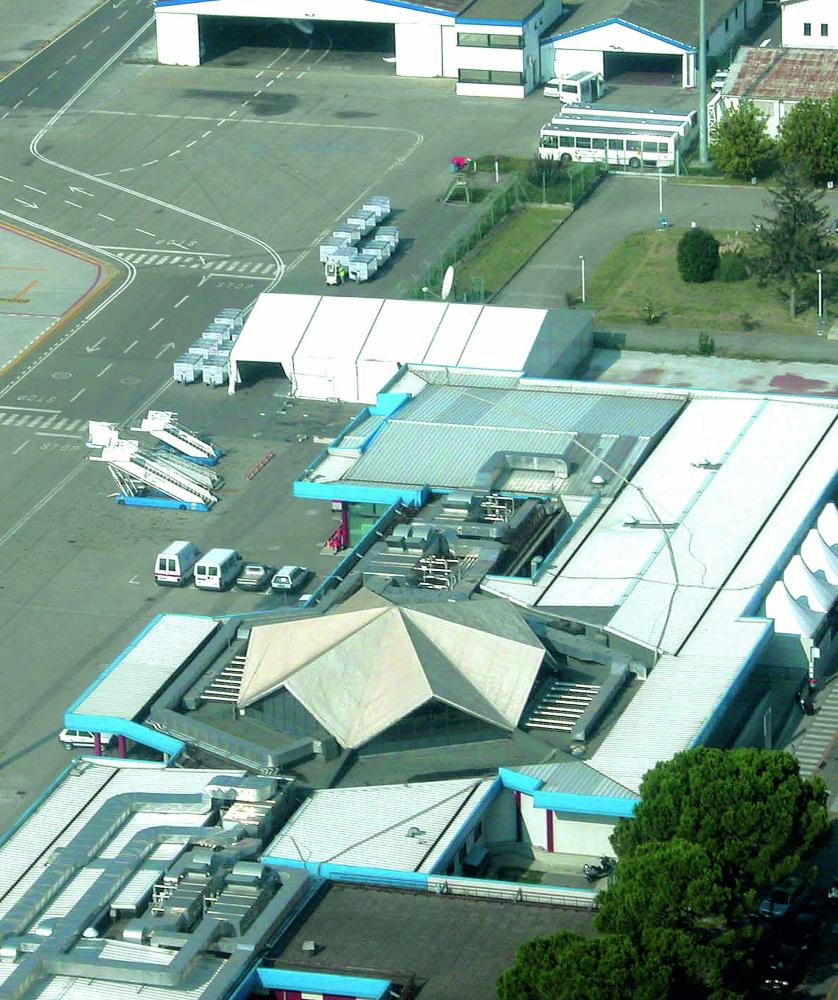 Forlì, aeroporto Ridolfi: l'ultimatum della società di gestione