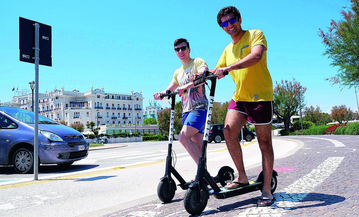Rimini, via libera ad agosto ai monopattini elettrici
