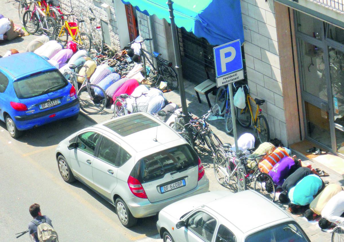 Rimini. Chiese, moschee e sinagoghe: per pregare serve il parcheggio