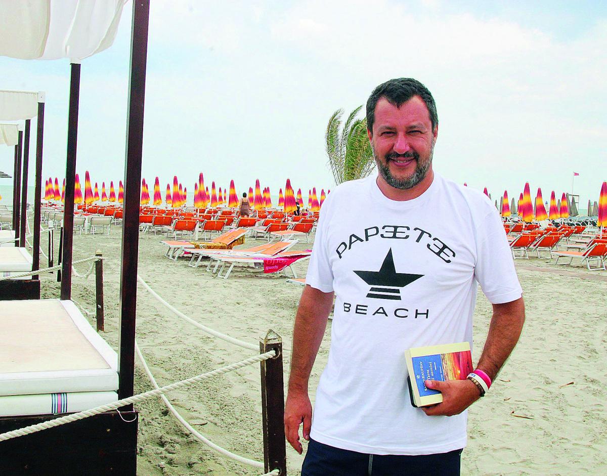 Vongole, cozze e piadina: Salvini a Cervia e Milano Marittima