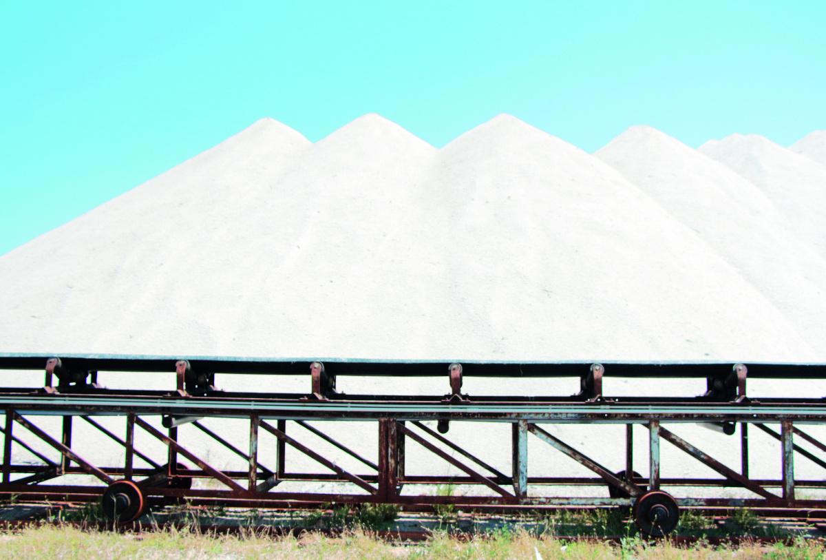 Cervia: troppa pioggia, salta la produzione del sale