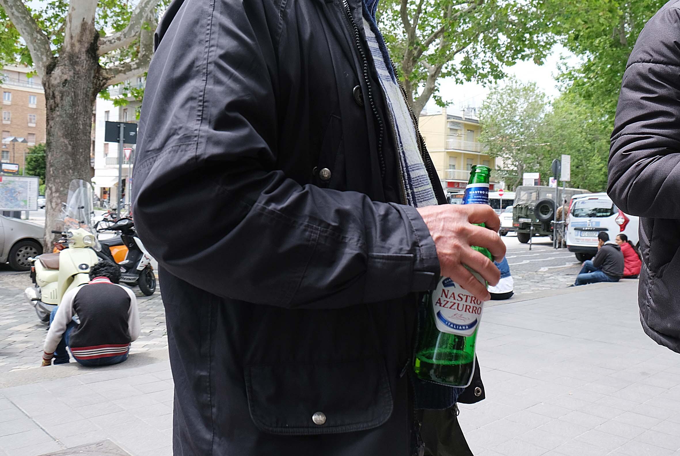 Rimini, consumo di alcol nelle aree pubbliche: 26 multati