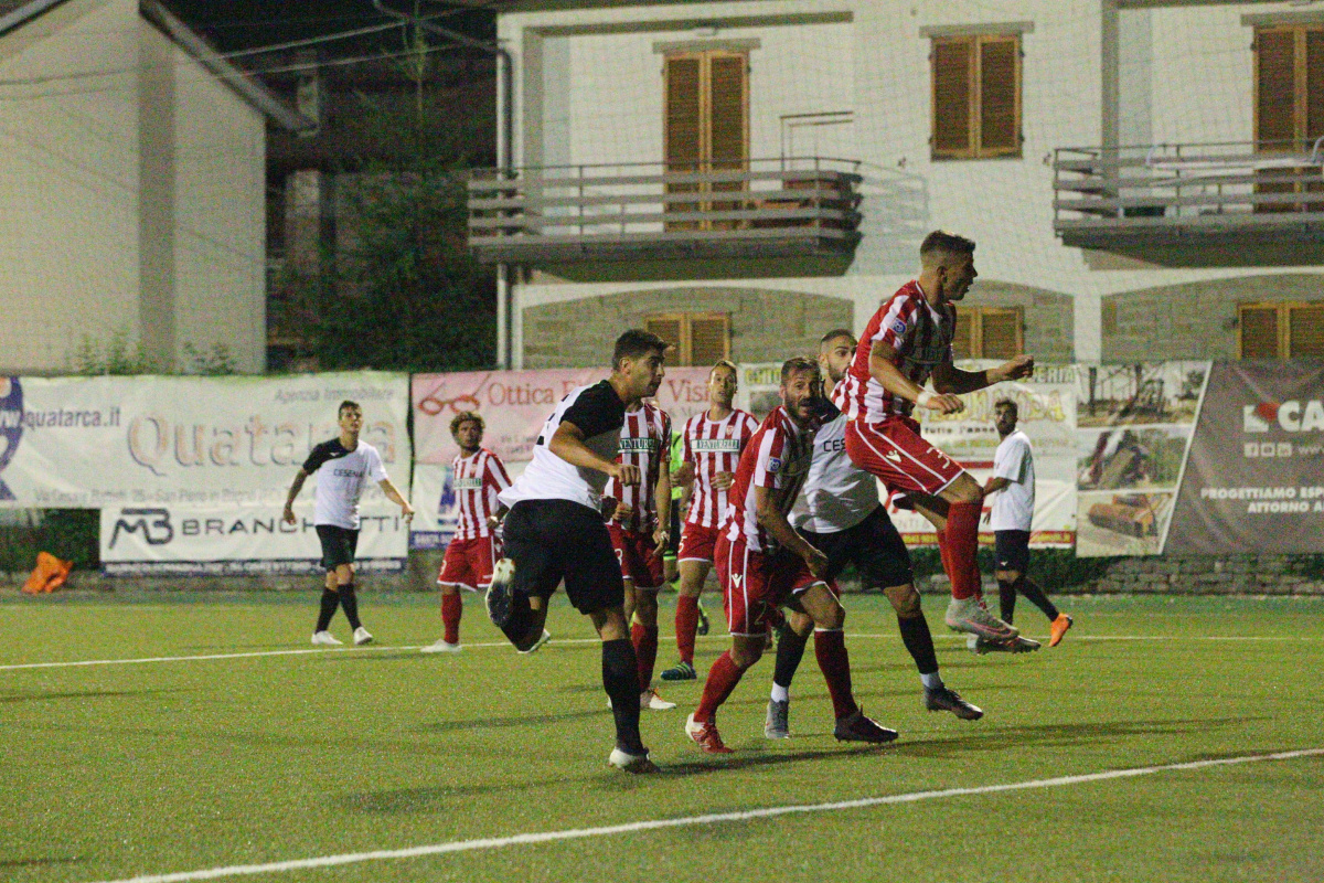 Calcio, dopo il black-out il Cesena supera 2-0 il Forlì