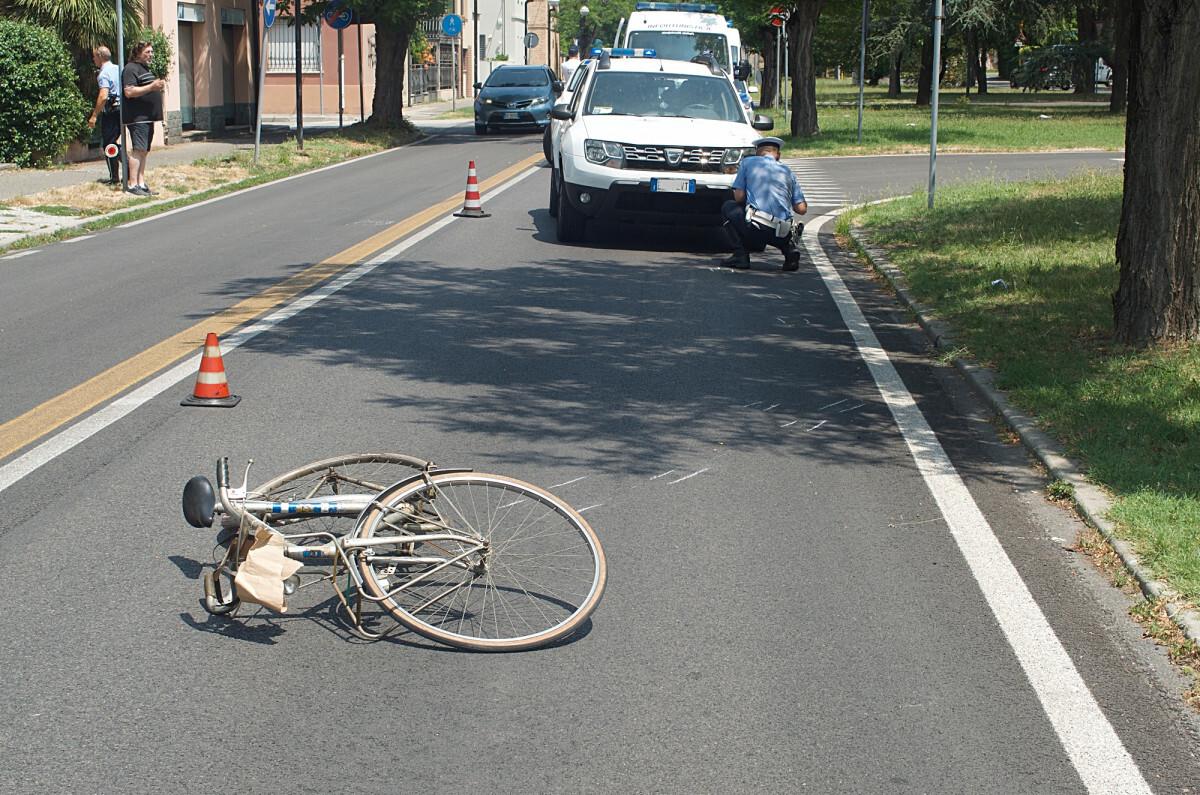 Morto il ciclista coinvolto nell'incidente a Ravenna