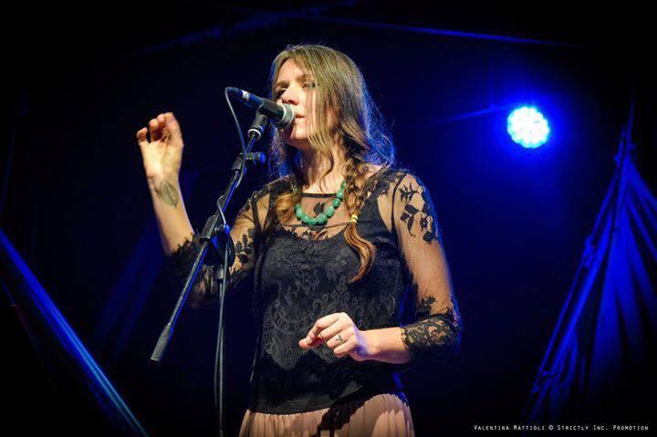 Frida Neri in concerto all'alba a Riccione
