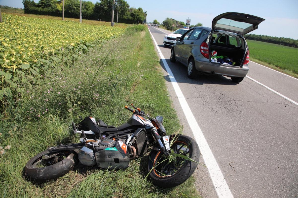 Cesena, travolto in moto a 17 anni a Cervia: chi era il giovane