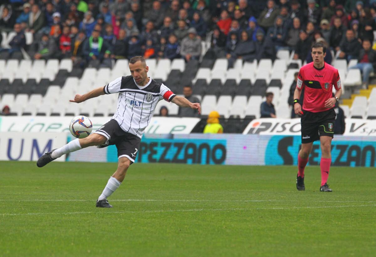 Calcio Serie C, primi annunci a Cesena, Carraro saluta Imola