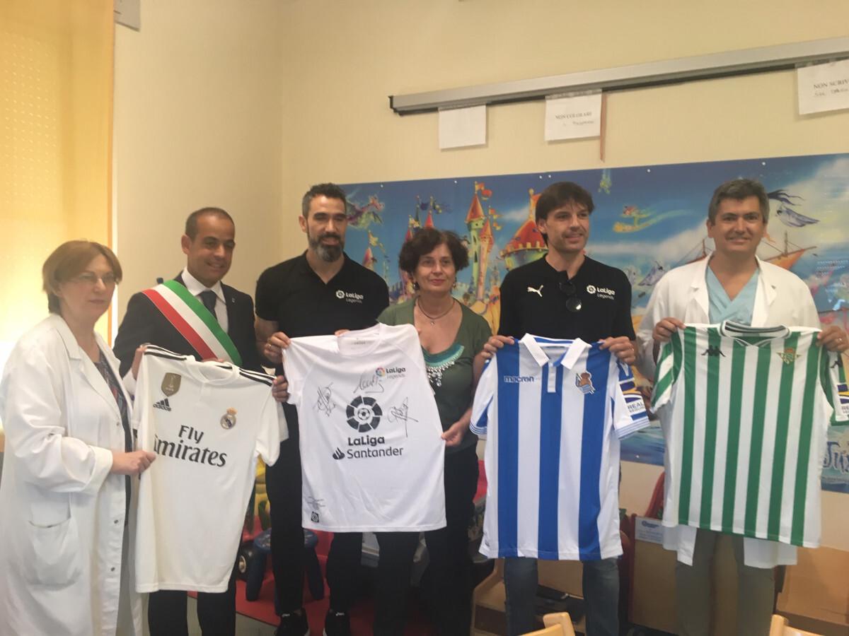 Campioni anche di solidarietà, calciatori dai bimbi all'ospedale di Cesena