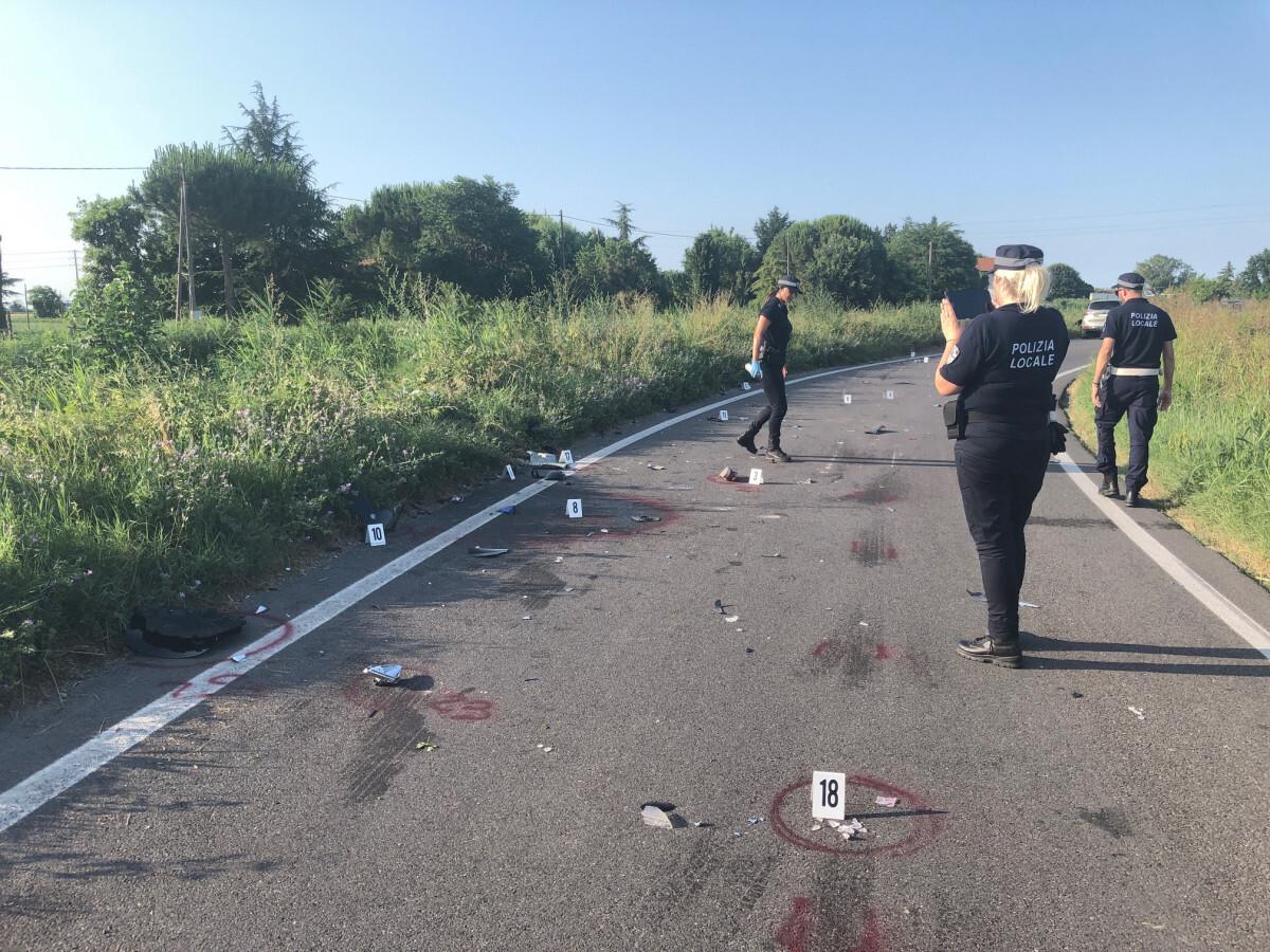 Schianto mortale a Savignano: la vittima è un motociclista